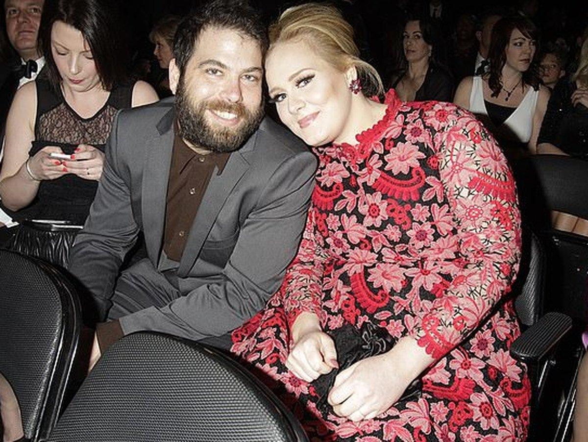 Певица Адель официально развелась со своим мужем - фото №2