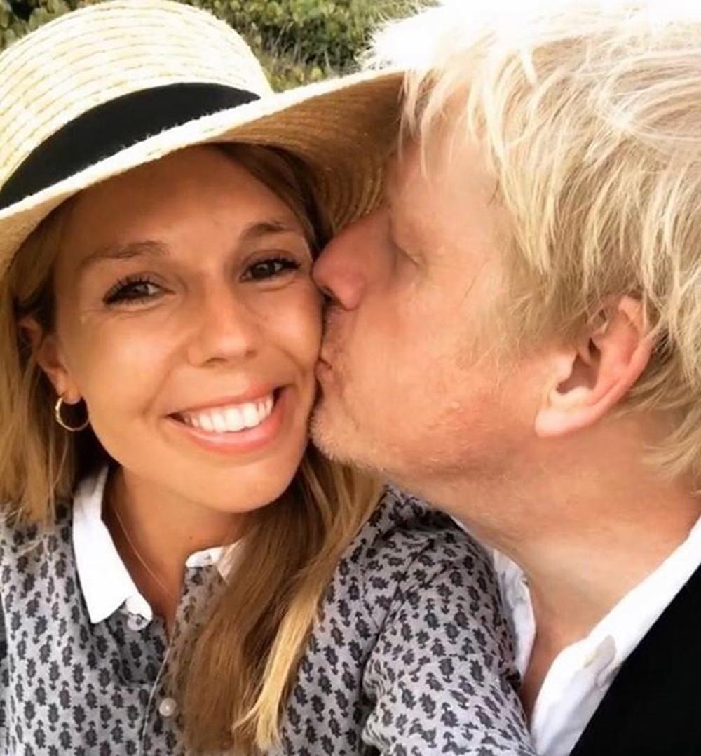 У беременной невесты премьер-министра Великобритании диагностировали коронавирус - фото №1