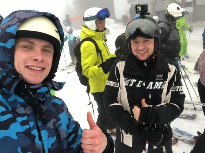 Все ближе к народу: Владимир Зеленский отдыхает на горнолыжном курорте в Буковеле - фото №5