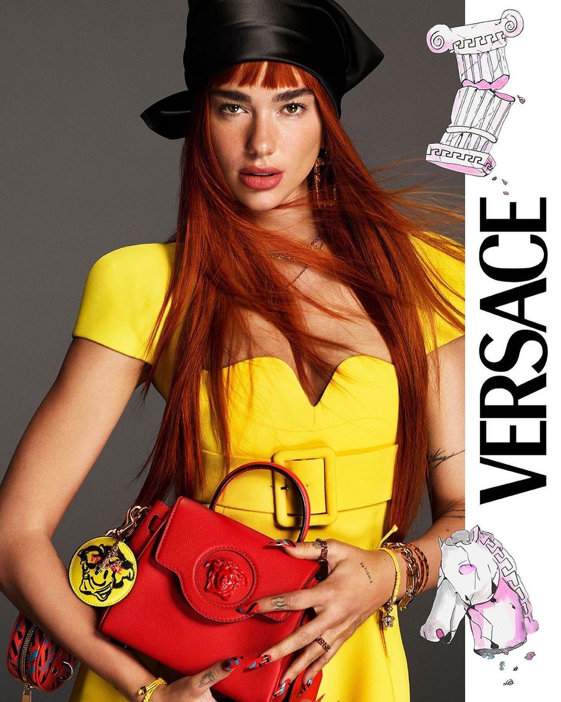 Рыжая бестия: Дуа Липа снялась в рекламной кампании Versace (ФОТО) - фото №1