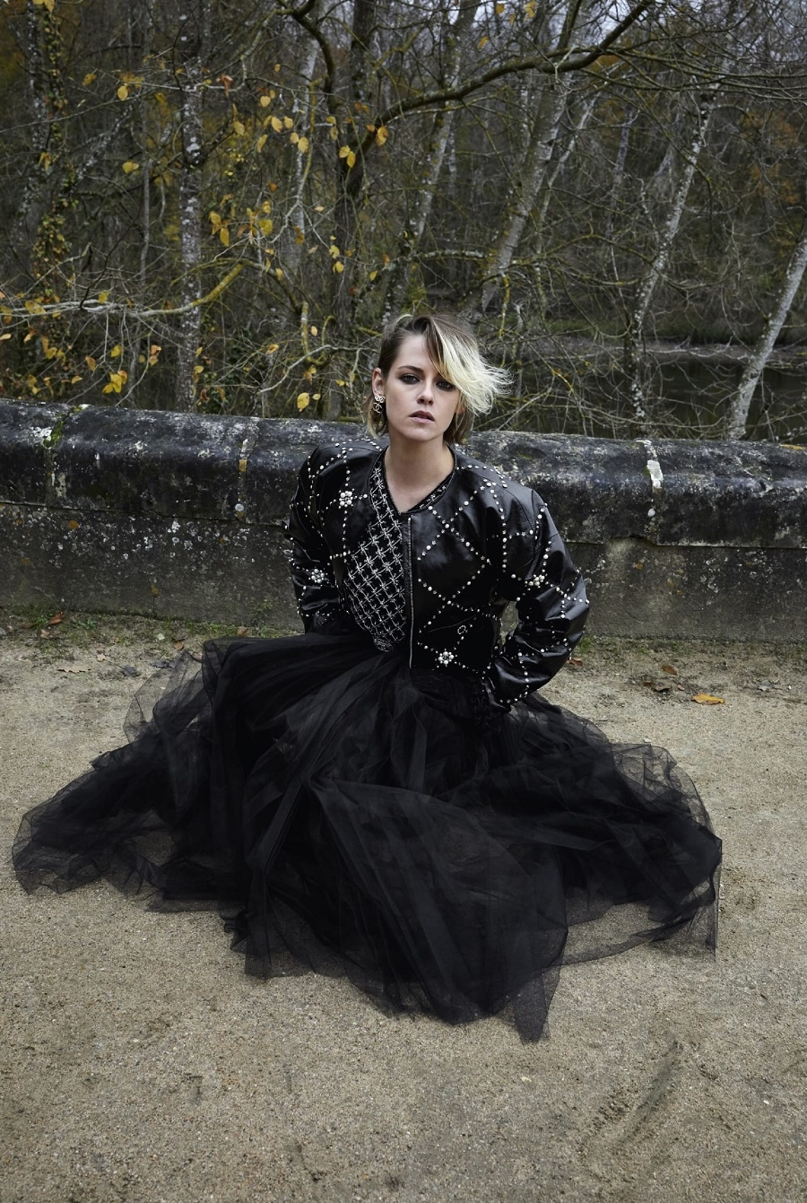 "Звезда ""Сумерек"" Кристен Стюарт снялась в рекламе Chanel (ФОТО) - фото №2"