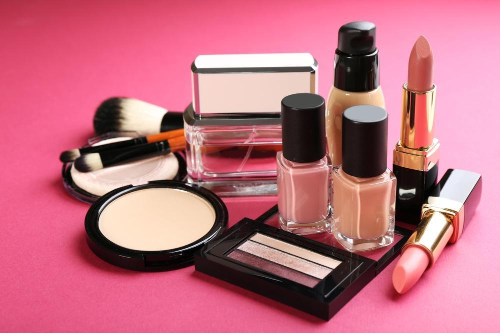 Красота в пандемию: какую косметику чаще всего покупали в прошлом году в мире - фото №1