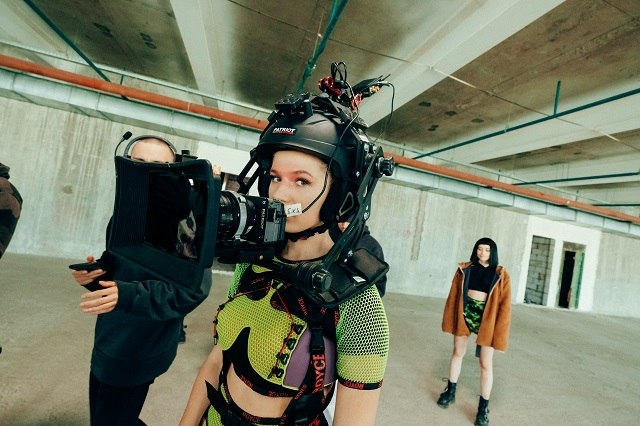 ULIANA ROYCE представила масштабный dance-перформанс в недостроеной многоэтажке - фото №3