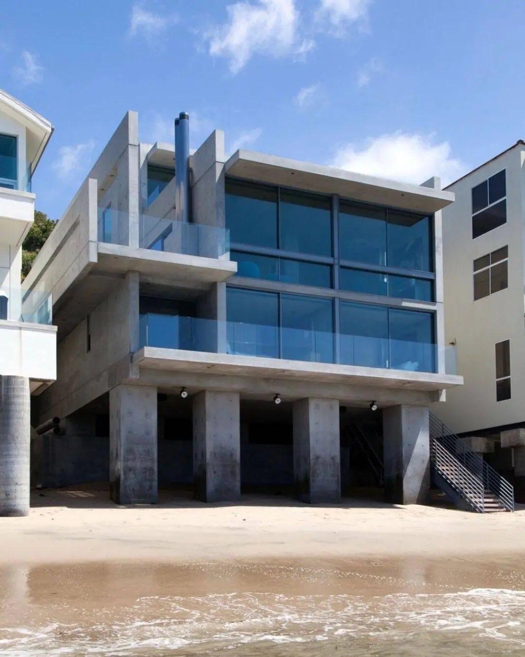 Канье Уэст купил новый дом на берегу океана (ФОТО) - фото №1