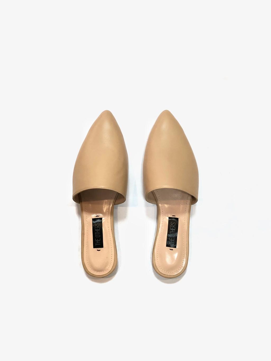 Гид по летней обуви: где найти самые стильные модели этого сезона? - фото №2