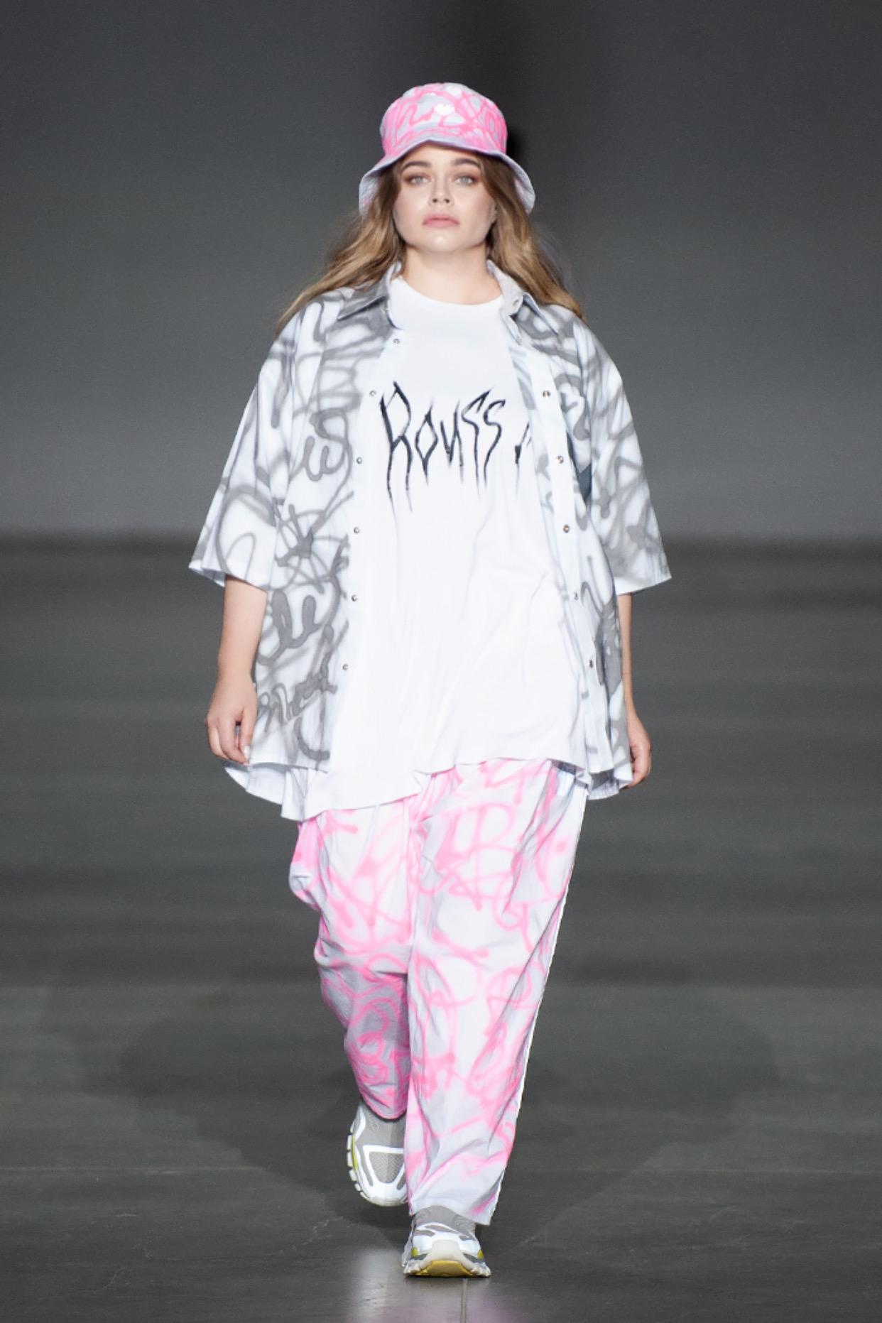 Показ вне модельных стандартов: ROUSSIN представили новую коллекцию на Ukrainian Fashion Week (ФОТО) - фото №4