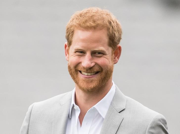 Принц Гарри выпустит книгу, в которой расскажет всю правду о своей жизни - фото №2