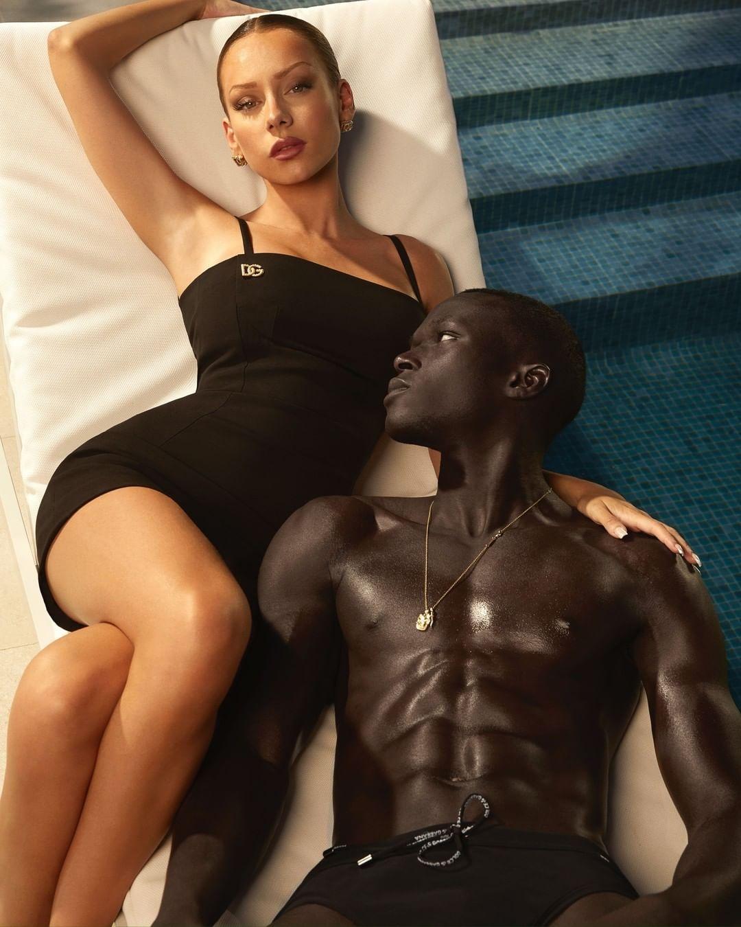 """Звезда сериала """"Элита"""" Эстер Экспосито стала лицом новой рекламной кампании Dolce&Gabbana (ФОТО) - фото №4"""