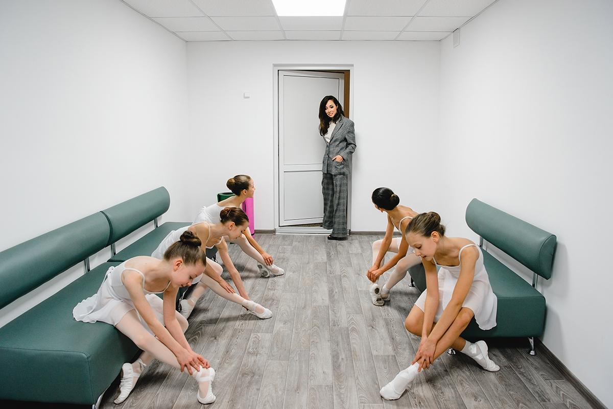 Екатерина Кухар показала первый этап ремонтав Киевском государственном хореографическом училище (ФОТО) - фото №1