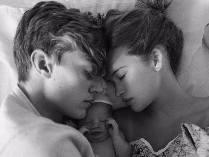 23-летний манекенщик Лаки Блю Смит станет отцом в третий раз - фото №1