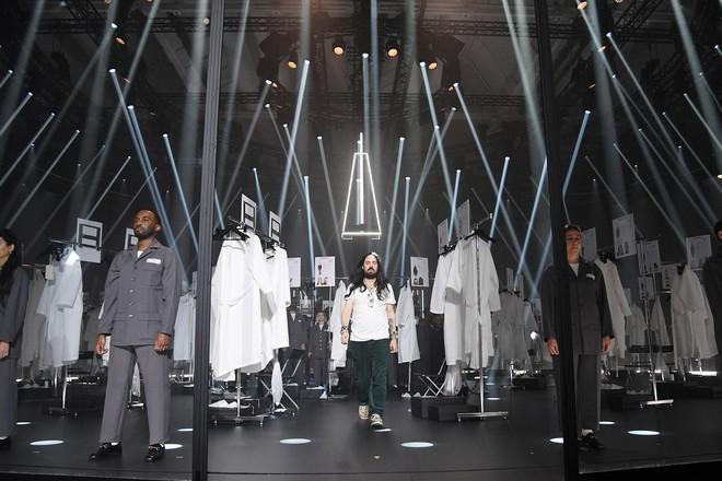 Что скрывается за замочной скважиной: ритуалы и готика в новой коллекции Gucci (ФОТО) - фото №1