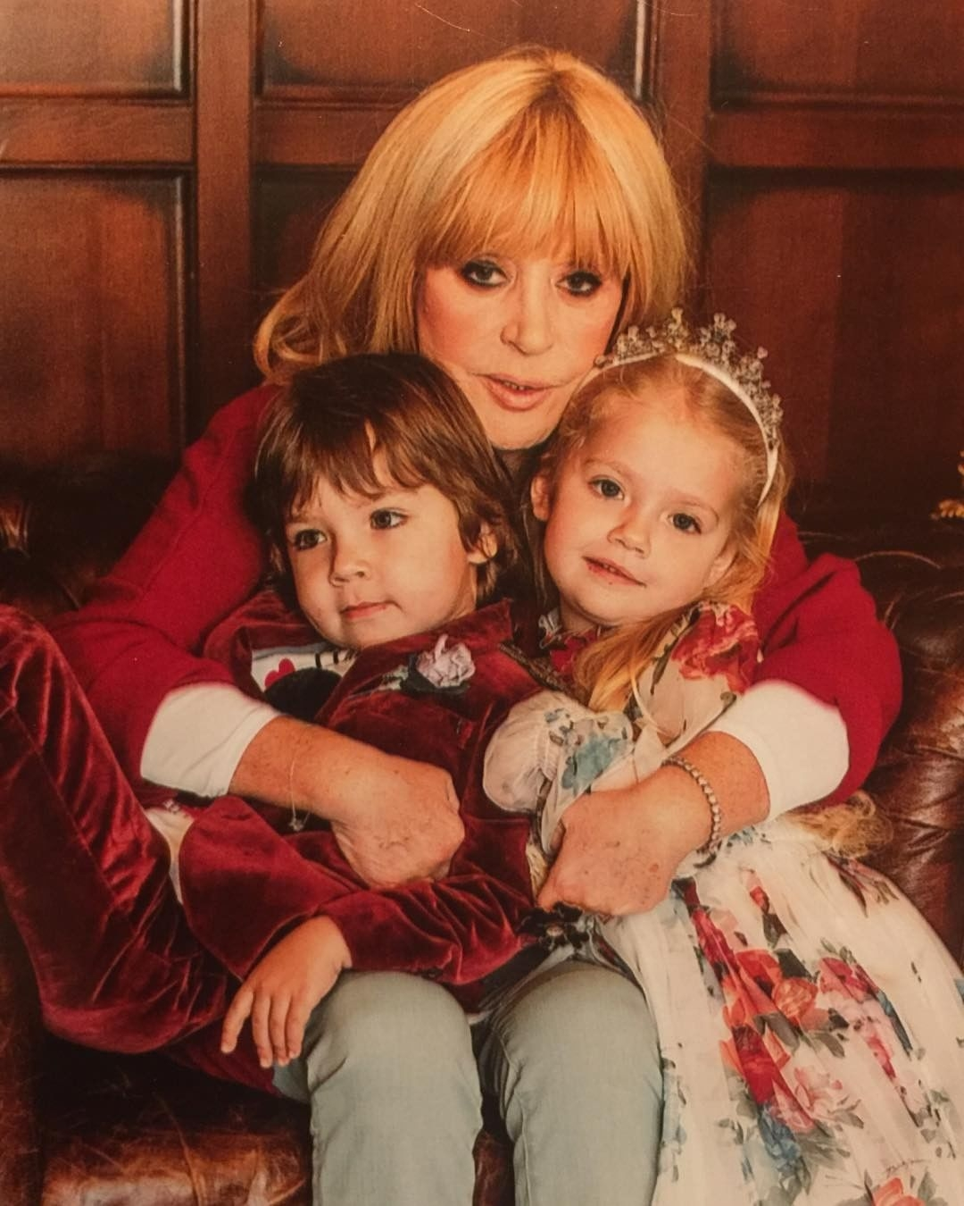 Дочки-матери: подборка звездных мам с детьми - фото №5