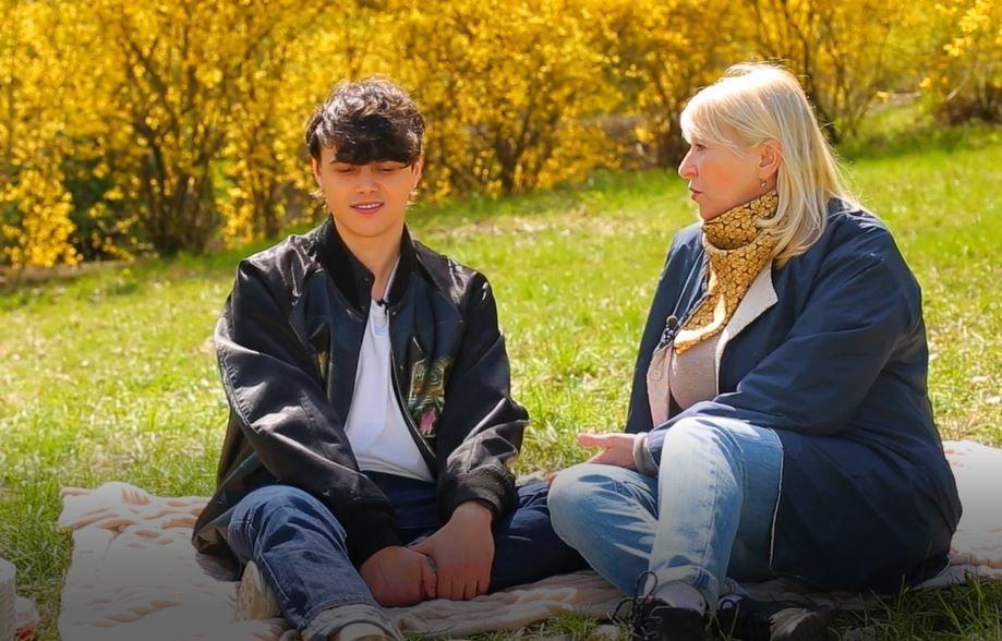"""""""Она очень хорошая"""": мама исполнителя ALEKSEEV прокомментировала его отношения с солисткой """"ВИА Гры"""" - фото №1"""