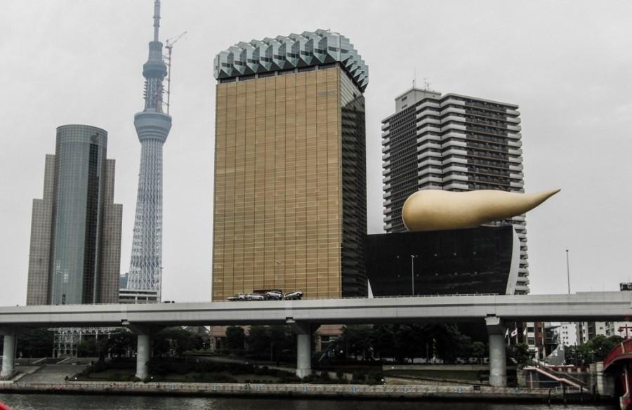 Золотая какашка. Токио, Япония