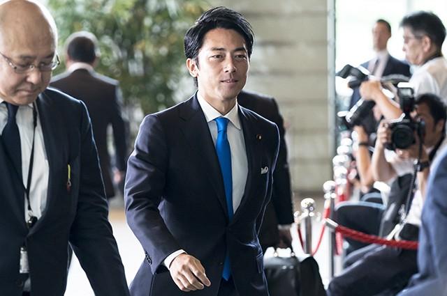 Впервые в истории Японии чиновник-мужчина уйдет в декрет - фото №1