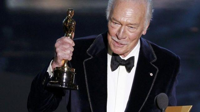Умер Кристофер Пламмер, известный голливудский актер... - фото №1