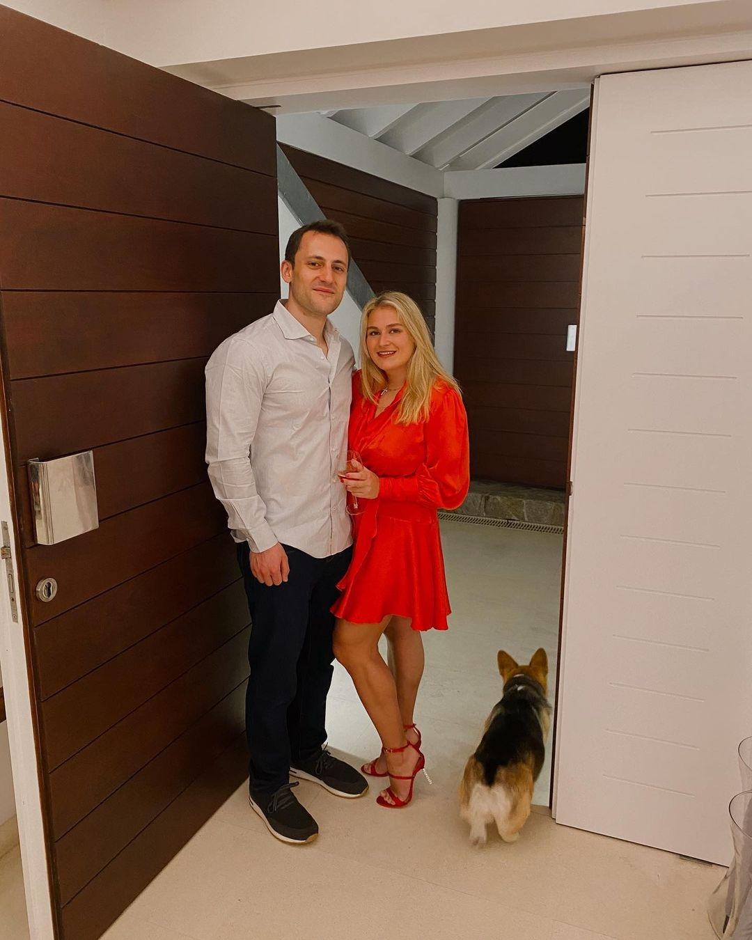 Официально: дочь бизнесмена Романа Абрамовича Софья выходит замуж - фото №3