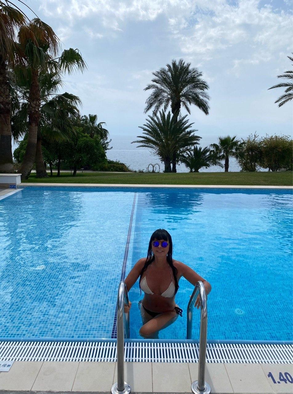 Ассия Ахат показала роскошную фигуру на Турецком побережье и рассказала об отдыхе во время локдауна (ФОТО) - фото №4