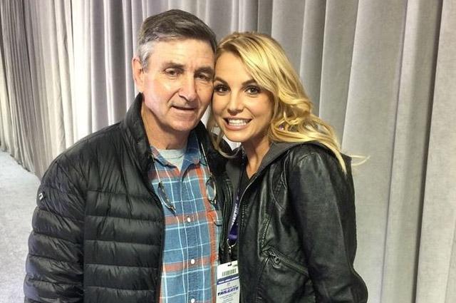 Отец Бритни Спирс заявил, что его дочь страдает деменцией - фото №2