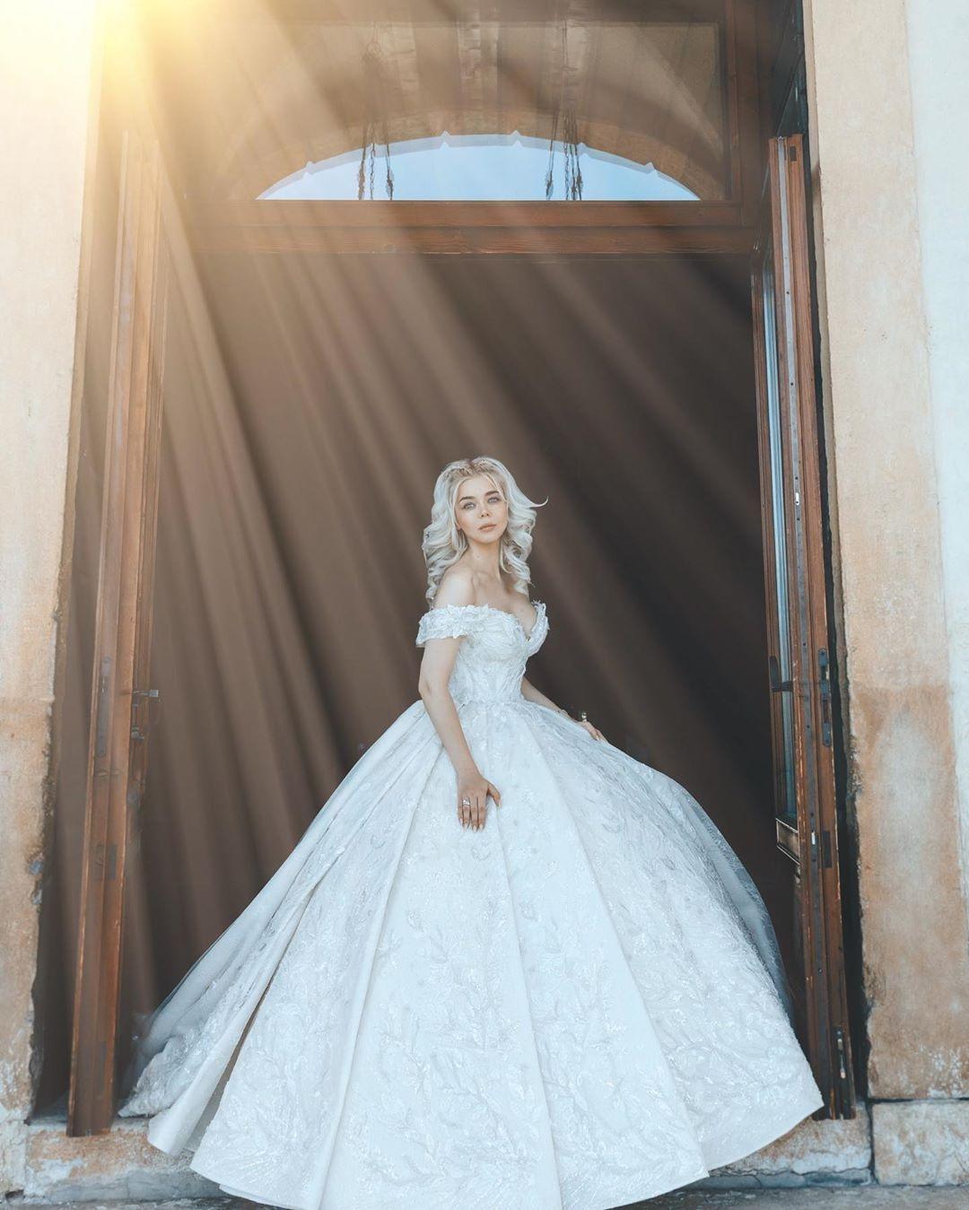 Самые яркие свадебные платья украинских звезд (ФОТО) - фото №7