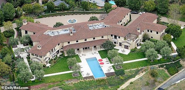 Как выглядит роскошный особняк, в котором живут Меган Маркл и принц Гарри: ФОТО - фото №1