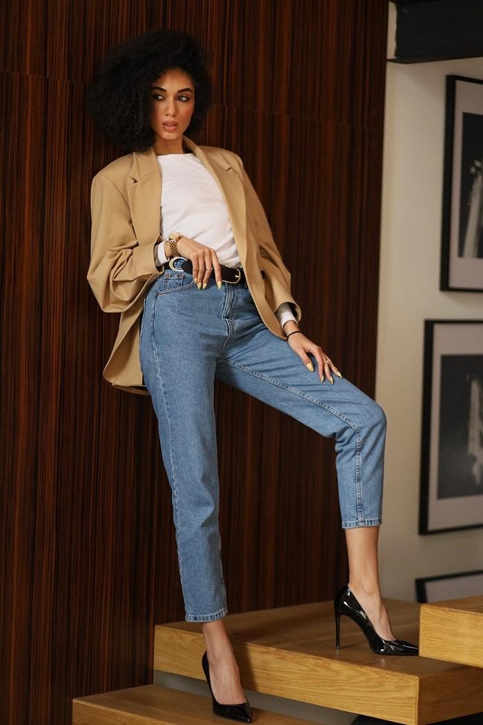"""""""80% гардероба — это база, 20% — тренд"""": Аманда Ироанья о том, как создать базовый и всегда быть стильной - фото №4"""