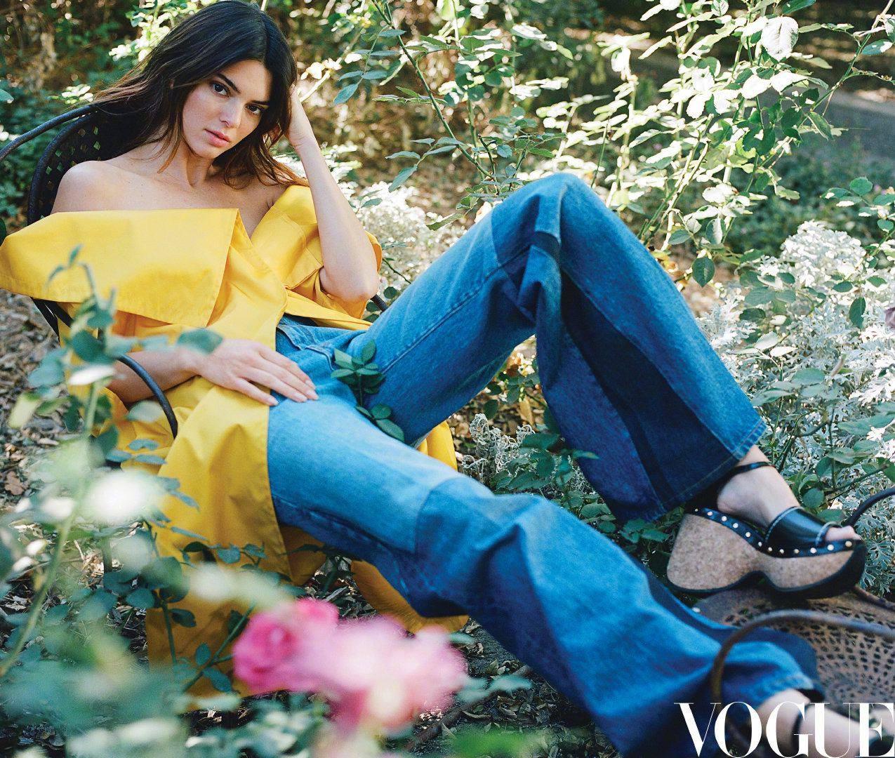"""От молодой модели до лидера стиля"": Кендалл Дженнер снялась для обложки Vogue China (ФОТО) - фото №5"