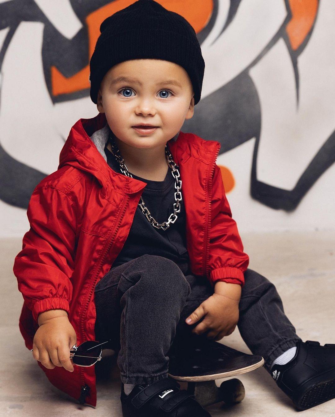 """""""Посмотрите на это милашество"""": подросший сын Оксаны Самойловой снялся в модной фотосессии - фото №1"""