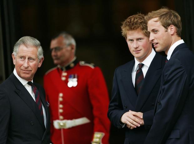 Первый шаг к примирению: принц Гарри останется в Англии - фото №1