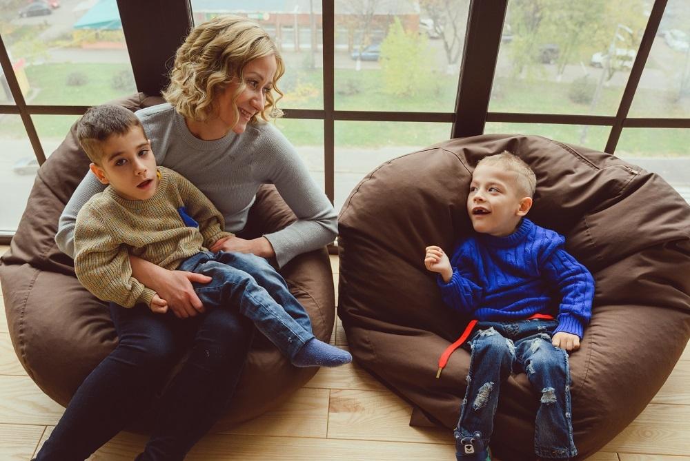 """""""Иногда мне кажется, что я схожу с ума"""": откровенная история мамы мальчиков-двойняшек с диагнозом ДЦП - фото №3"""