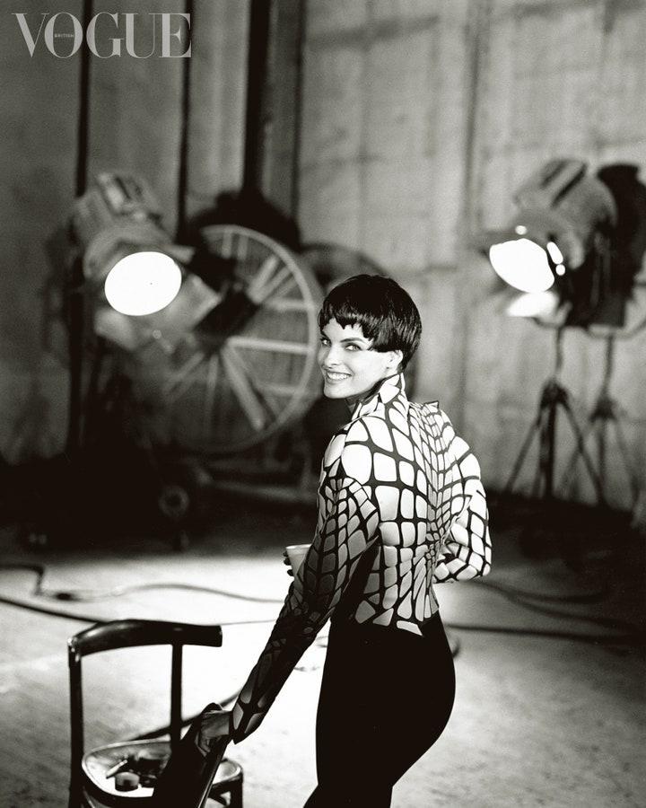 Дуа Липа снялась для обложки британского Vogue (ФОТО+ВИДЕО) - фото №1