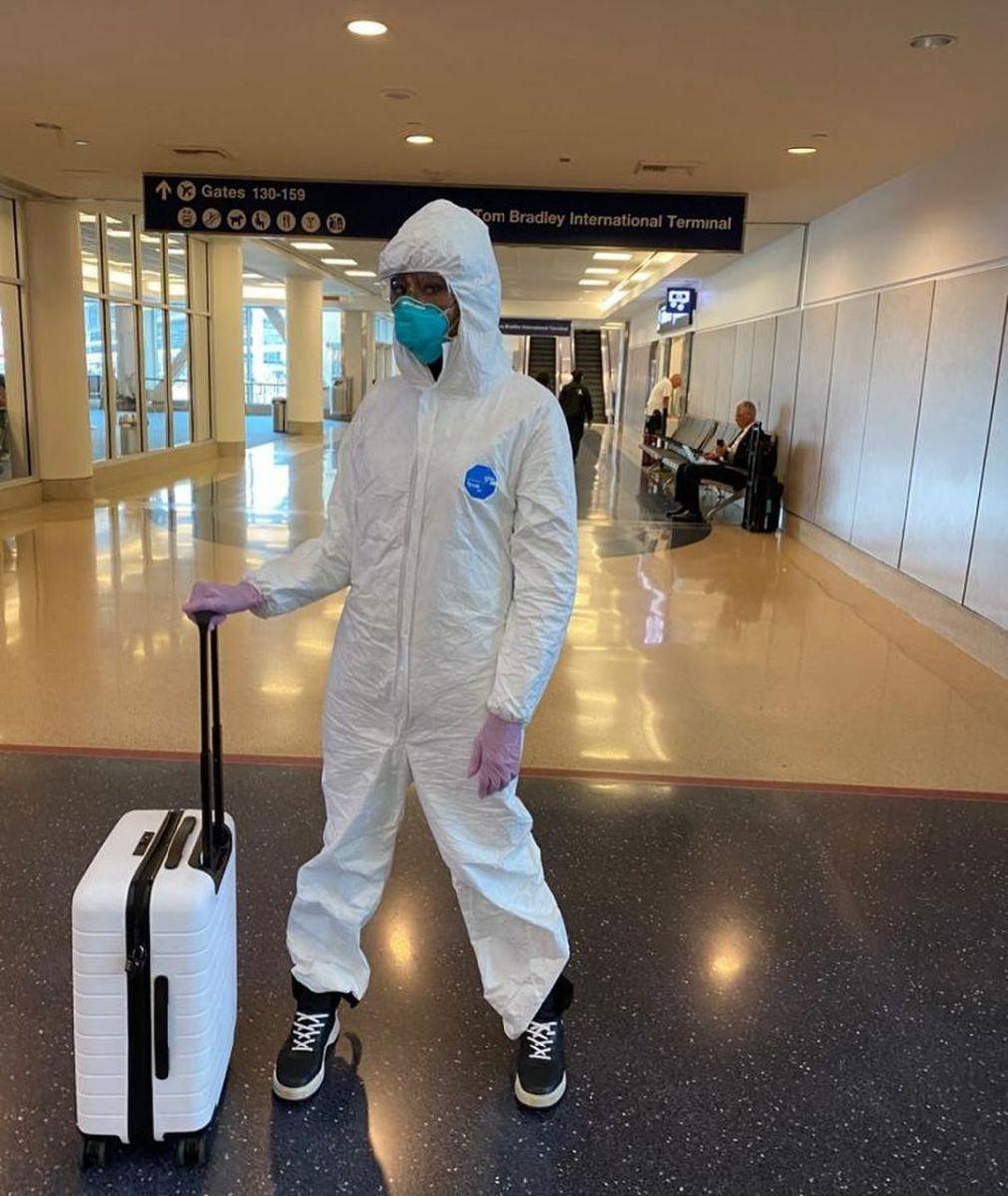 """""""Безопасность — уровень Бог"""": Наоми Кэмпбелл показала, как защищается от коронавируса (ФОТО) - фото №3"""