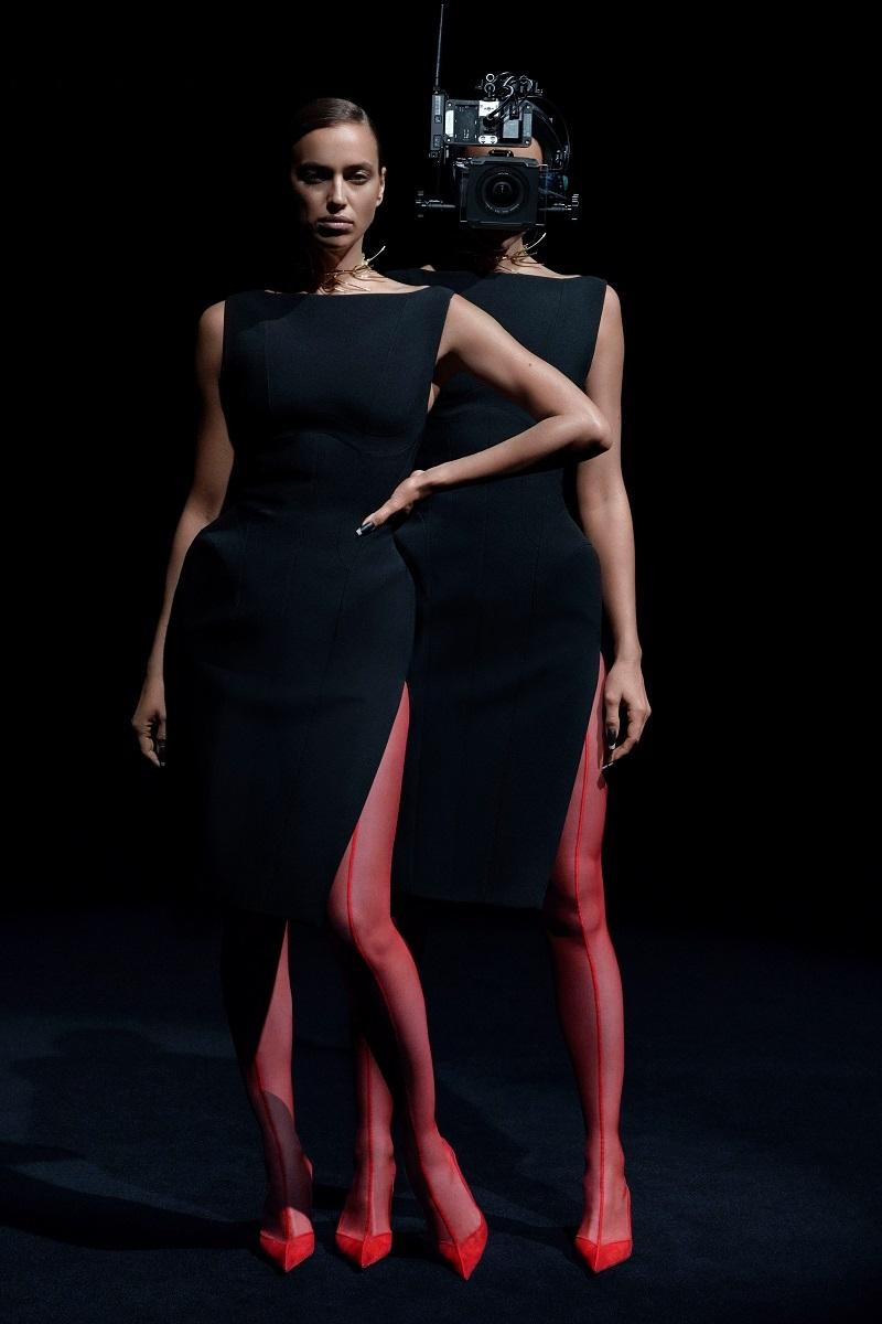 """""""Голые"""" платья, акробатические трюки и звездные модели в новом показе Mugler (ФОТО+ВИДЕО) - фото №2"""