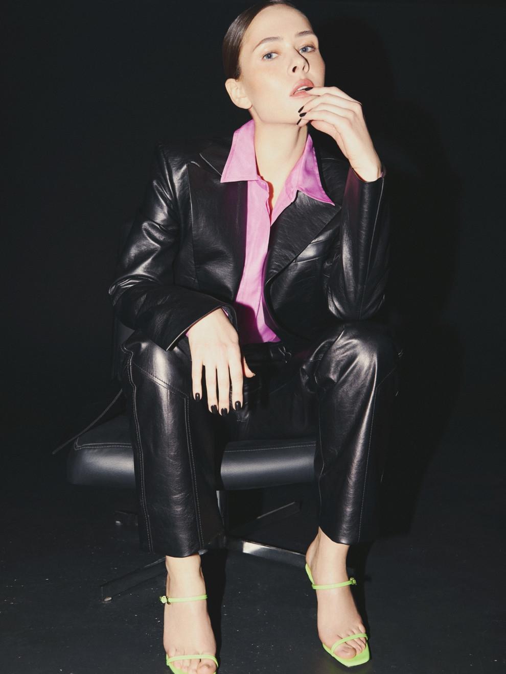В соблазнительных корсетах и неоновых колготках: Юлия Санина снялась для Vogue (ФОТО) - фото №2