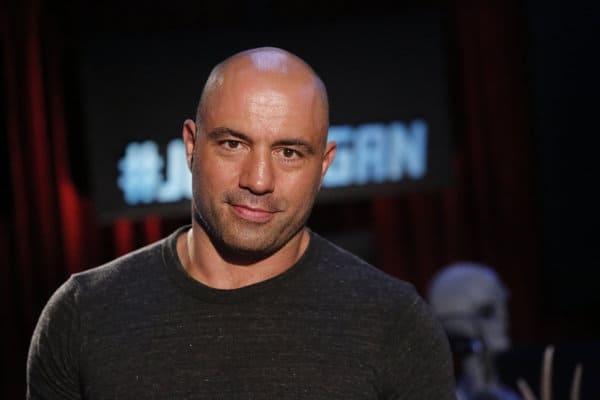 UFC возвращается назло пандемии: Джо Роган взял интервью у Генри Сехудо - фото №1