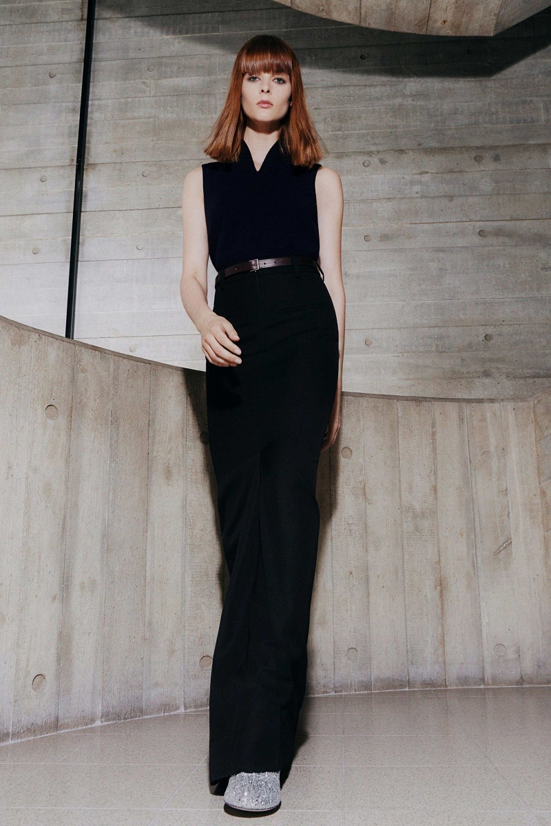 Цветочные платья и элегантные костюмы: обзор новой коллекции Victoria Beckham (ФОТО) - фото №5