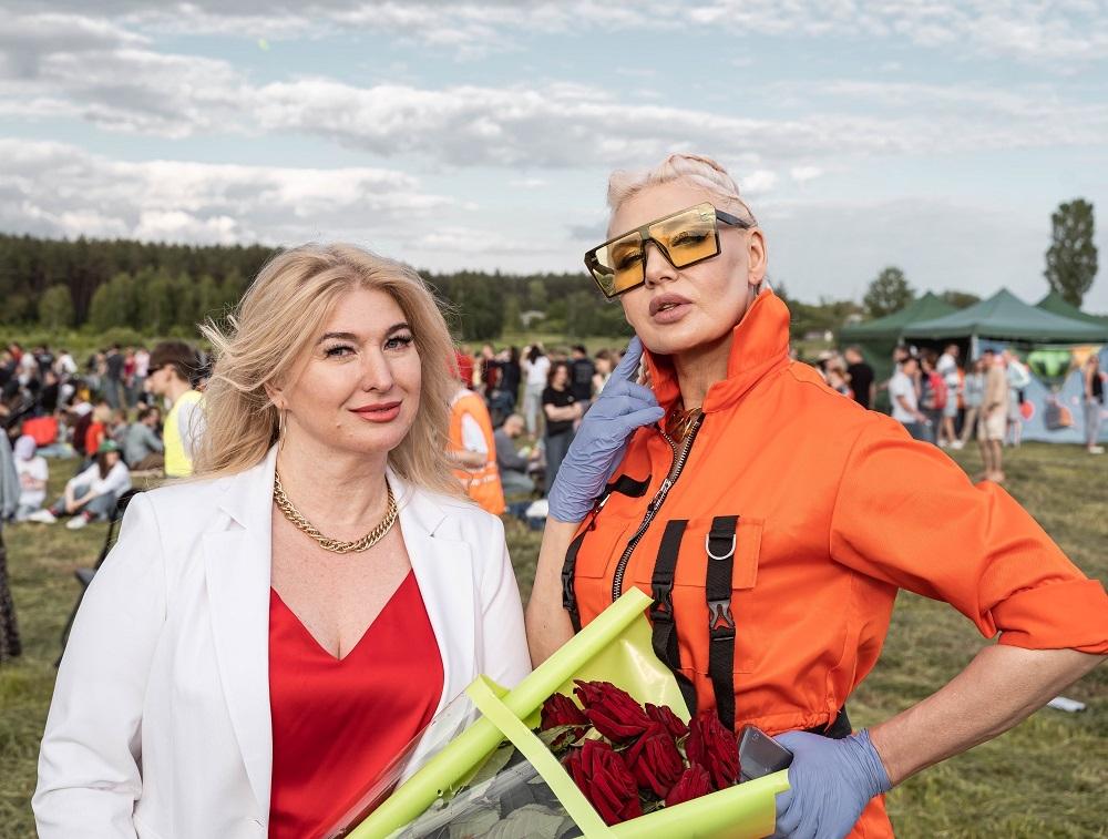 Украинский дизайнер Жан Грицфельдт представил новую коллекцию на фестивале воздушных шаров (ФОТО) - фото №8