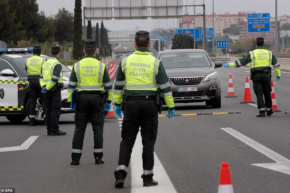 В Испании за нарушение карантина оштрафовали 31 000 людей - фото №4