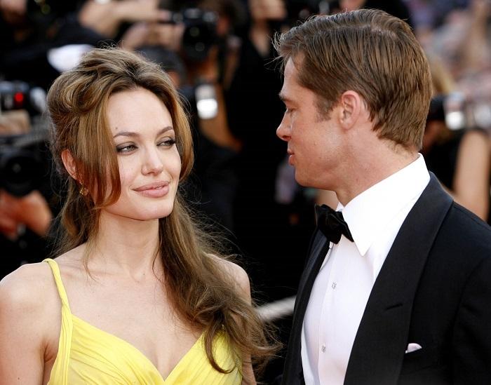 Избавилась от общего имущества: Анджелина Джоли продала свои акции в Шато Мираваль - фото №1