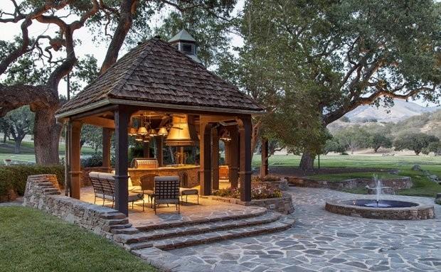 Плохая репутация: ранчо Neverland Майкла Джексона сняли с продажи - фото №2