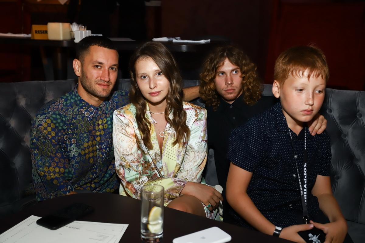 Юрий Бардаш с семьей