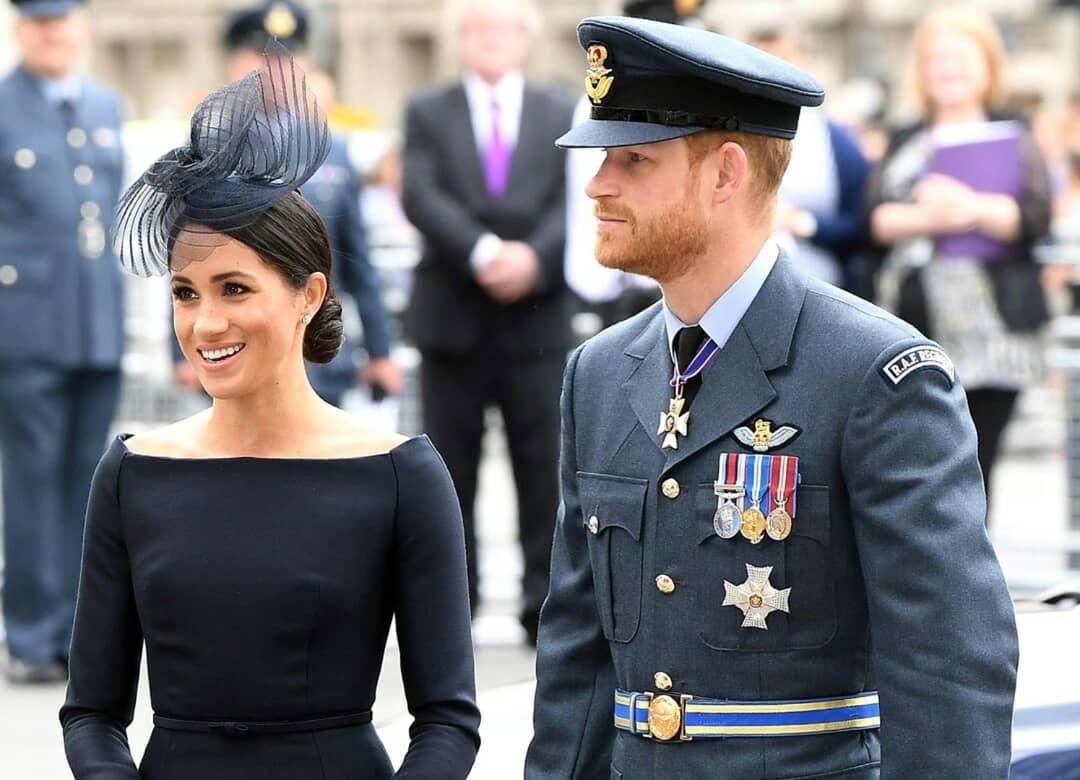 Сын Арчи повлиял на решение Меган Маркл и принца Гарри покинуть королевскую семью - фото №2