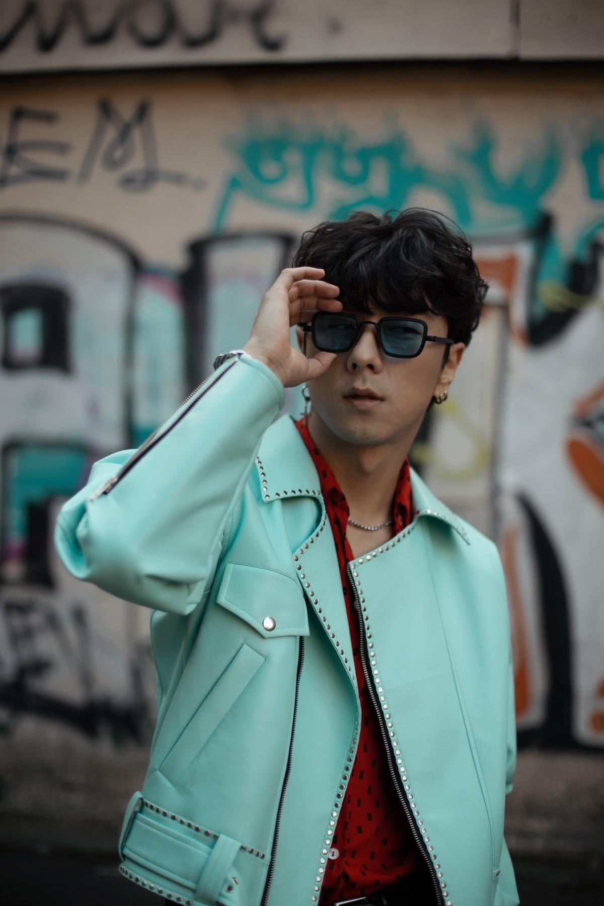 Корейський співак Song wonsub в новій фотосесії приміряв образи від українських дизайнерів - фото №2
