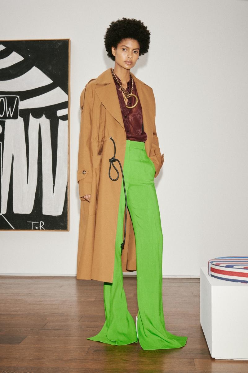 Безупречный стиль и яркие акценты: Виктория Бекхэм представила новую коллекцию (ФОТО) - фото №3