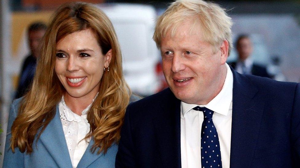 Премьер-министр Великобритании Борис Джонсон тайно женился - фото №2