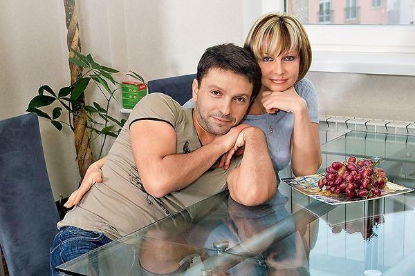"""""""2020, мне есть, за что говорить спасибо"""": актер Леонид Барац впервые показал своего двухмесячного сына - фото №1"""