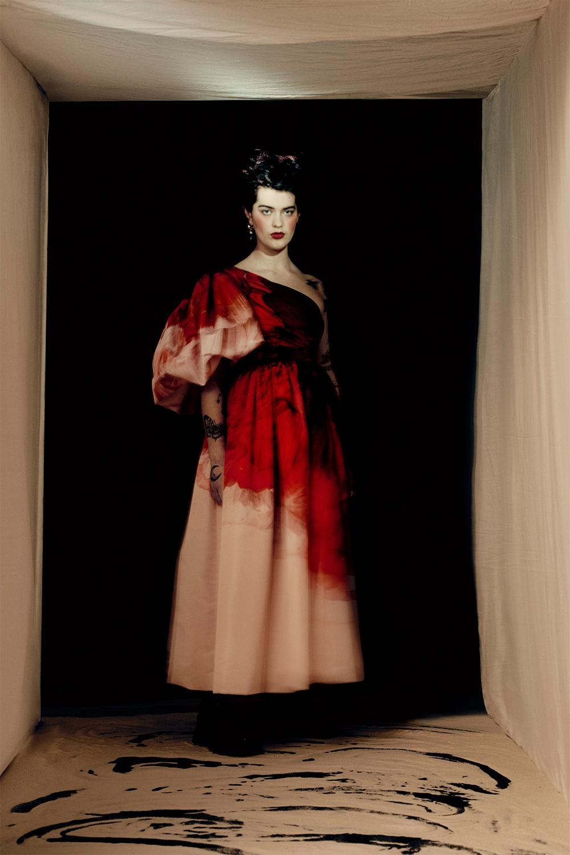 Кровавая мода: Alexander McQueen представили новую коллекцию (ФОТО) - фото №2