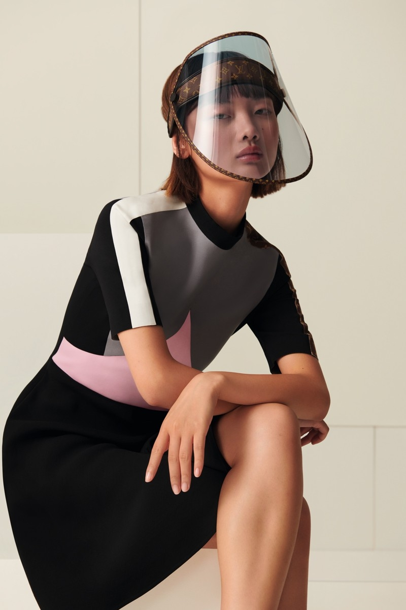 Защита от дождя, солнца и коронавируса: Louis Vuitton выпустили стильные щиты для лица (ФОТО) - фото №2