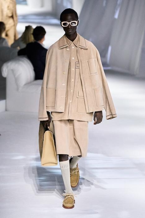 Неделя моды в Милане: Fendi выпустили коллекцию, вдохновленную карантином и пандемией (ФОТО) - фото №11