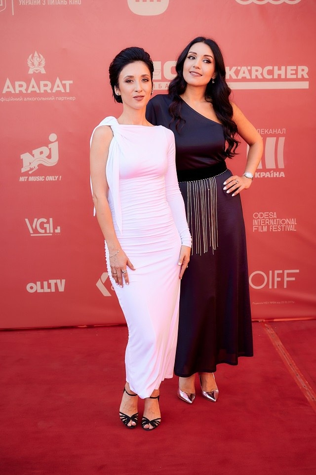 ОМКФ-2021: красная дорожка кинофестиваля (ФОТО) - фото №5